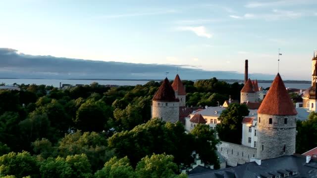 old town of tallinn - estonya stok videoları ve detay görüntü çekimi