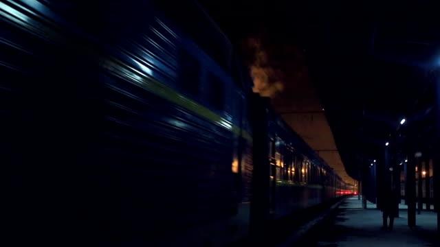 vecchio treno alla stazione di alba - antsiranana video stock e b–roll