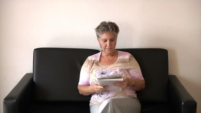 Фото широко раскрытого влагалища пожилой женщины 12