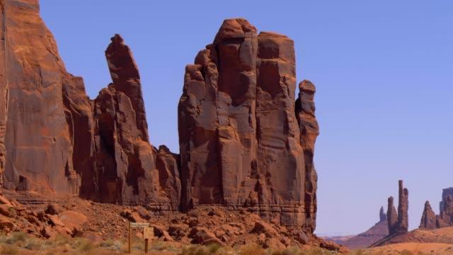 vídeos de stock e filmes b-roll de oljato monument valley in utah - prisma