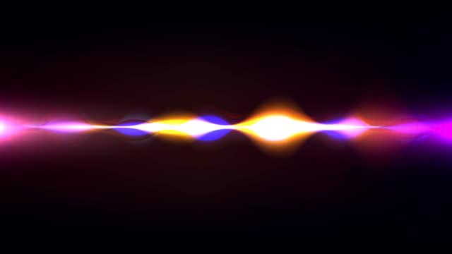 vídeos de stock, filmes e b-roll de сolorful forma de onda, imaginação de voz record, inteligência artificial de animação com fosco luma opcional. alfa luma matte incluído. vídeo de 4k - sacudindo