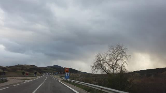 POV auf der Brücke des Lago del Liscione – Video