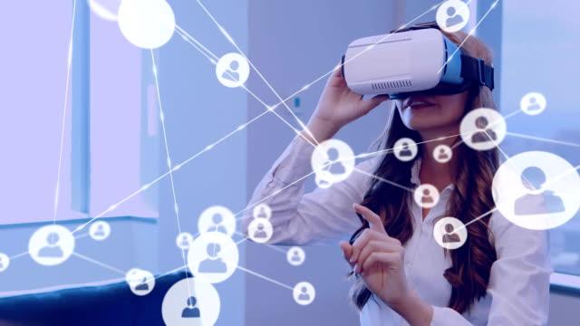 online community and network over virtual reality interface. - rappresentazione umana video stock e b–roll