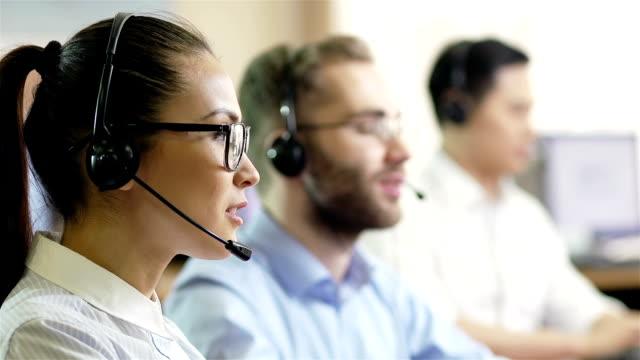 obsługa klienta w trybie online - pracownik obsługi klienta filmów i materiałów b-roll