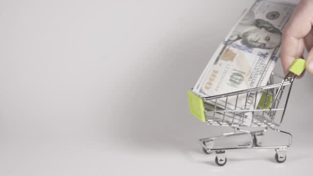 vídeos de stock, filmes e b-roll de conceito de compras online - um único objeto