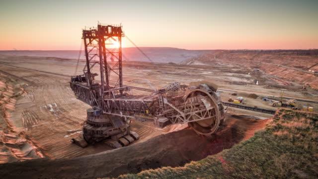 braunkohlebergbau - luft - aerial view soil germany stock-videos und b-roll-filmmaterial
