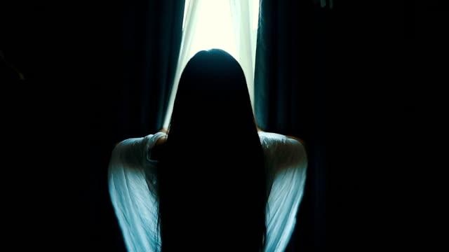 stockvideo's en b-roll-footage met open gordijnen - photography curtains