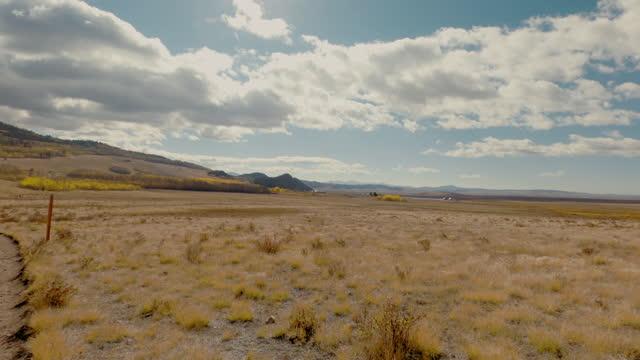 vídeos de stock, filmes e b-roll de campo aberto no colorado - aspen colorado