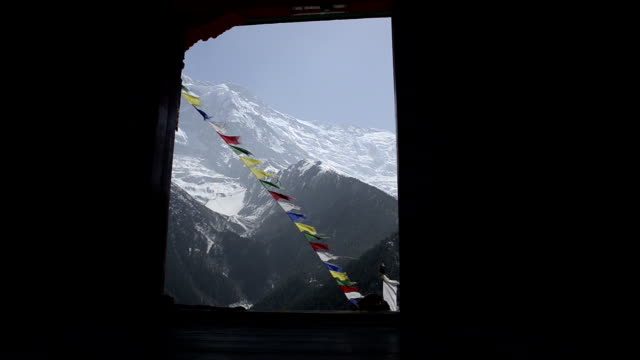 Open the door of a Buddhist temple. video