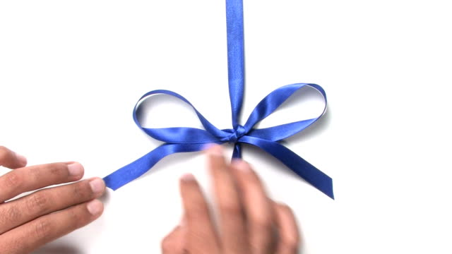 Opening a blue bow video