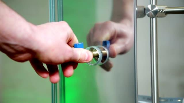 открытие клапан - tap water стоковые видео и кадры b-roll