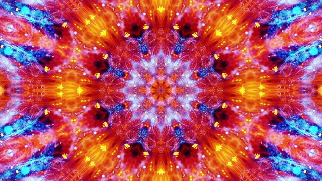 vídeos de stock, filmes e b-roll de padrões de fumaça laranja e azul, ornamento simétrico fractal com movimento de streaming, padrões mágicos calmantes na mente em fundo branco, animação - mandala
