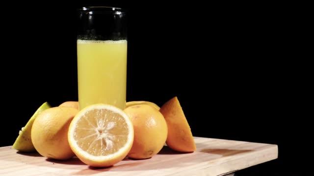naranjas, frutas tropicales - sumo stock-videos und b-roll-filmmaterial
