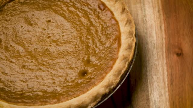 有機南瓜餅特寫 - pumpkin pie 個影片檔及 b 捲影像