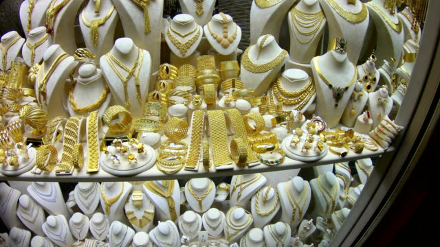 oriental jewlery sold in the most famous shopping street in istanbul kapali carsi - grand bazaar video stock e b–roll