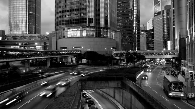 オリジナルのブラックとホワイトの夜の都市 - 都市 モノクロ点の映像素材/bロール