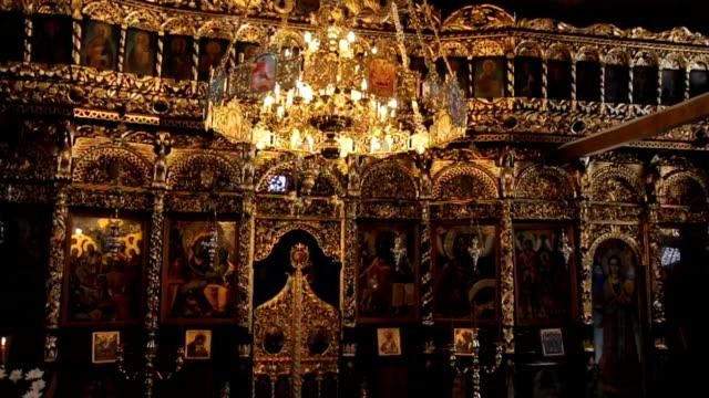 vídeos de stock, filmes e b-roll de igreja ortodoxa - castelo