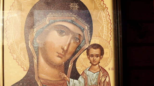 orthodox icon in the church - религиозные тексты стоковые видео и кадры b-roll
