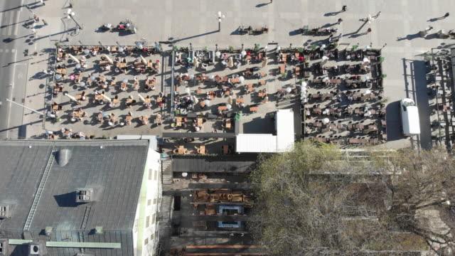 uteservering i sverige under korononalkrisen - sweden bildbanksvideor och videomaterial från bakom kulisserna