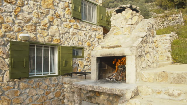 WS Outdoor fireplace