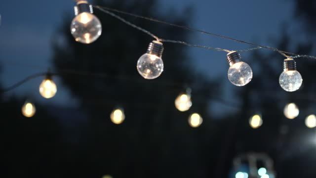 Luzes da festa ao ar livre - vídeo
