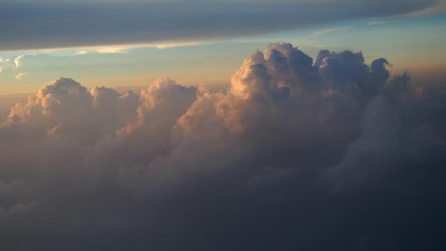 En las nubes - vídeo