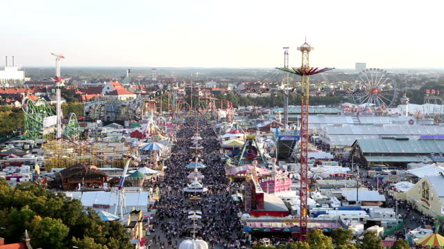 Overview of the Oktoberfest by day video