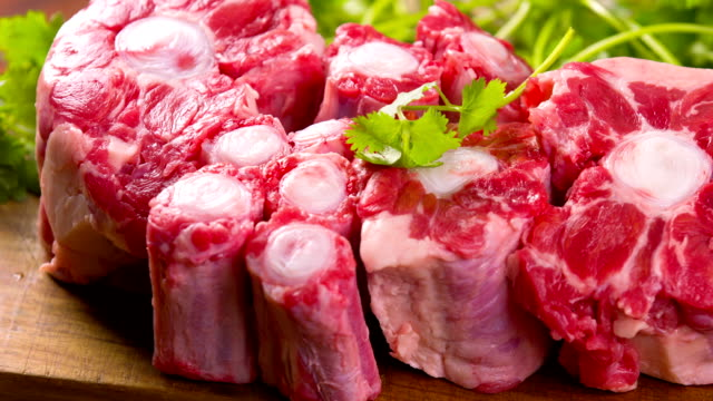 stockvideo's en b-roll-footage met oxtail - klavertje vier