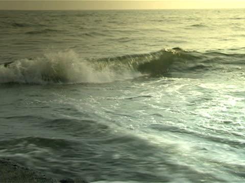 pacific ocean waves - 描述 個影片檔及 b 捲影像