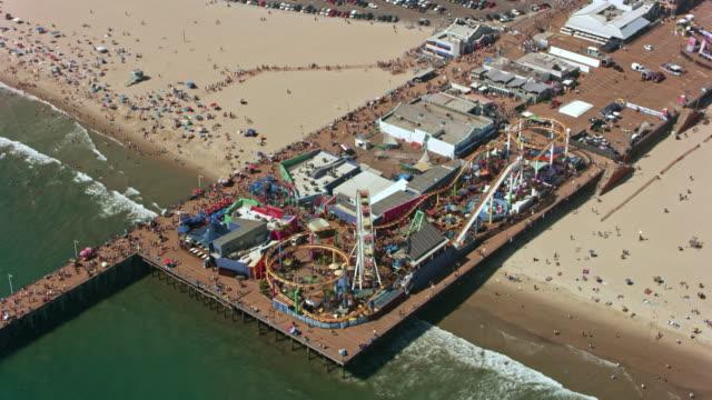 aerial pacific park, nöjesparken på santa monica pier - fritidsanläggning bildbanksvideor och videomaterial från bakom kulisserna