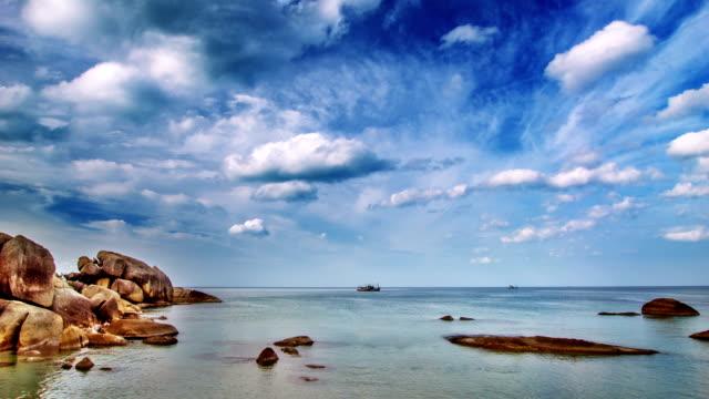 pacifico paesaggio marino - sardegna video stock e b–roll