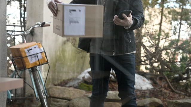 Package Home Contactless Delivery