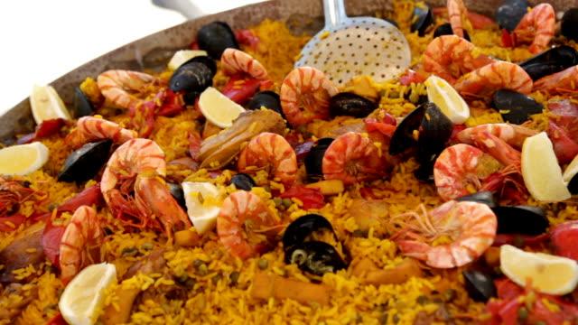 vídeos y material grabado en eventos de stock de paella - comida española