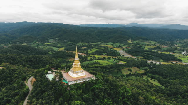 pagoda on the mountain chiang rai province - wat video stock e b–roll
