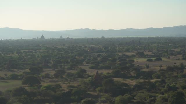 pagoda palace in bagan mandalay, myanmar - юго восток стоковые видео и кадры b-roll