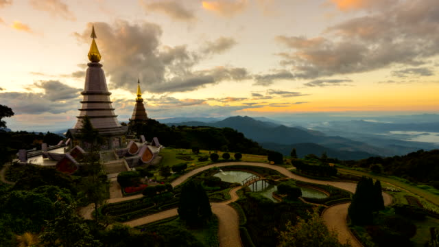 Pagodas Noppamethanedol & Noppapol Phumsiri at sunset video