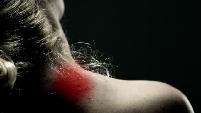 stockvideo's en b-roll-footage met pain in a neck ii - schouder