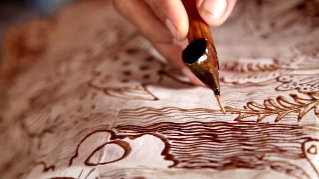 painting batik video
