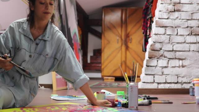 vidéos et rushes de peinture nouvelle œuvre d'art - toile à peindre