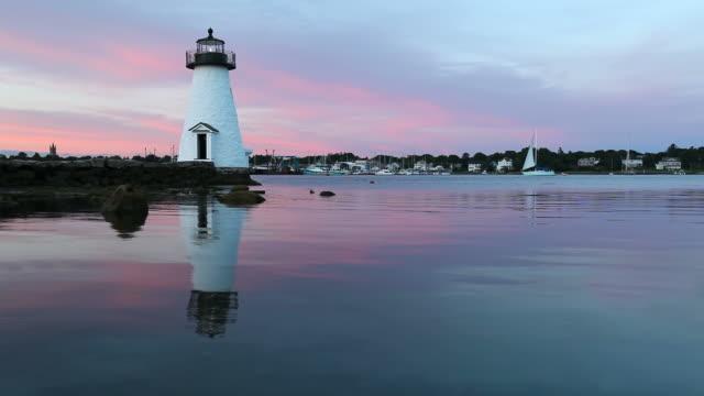 palmer island lighthouse, new bedford, massachusetts - massachusetts bildbanksvideor och videomaterial från bakom kulisserna