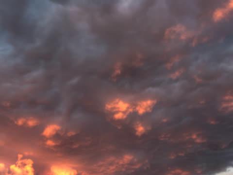 pal:moody sky - 10 saniyeden daha kısa stok videoları ve detay görüntü çekimi
