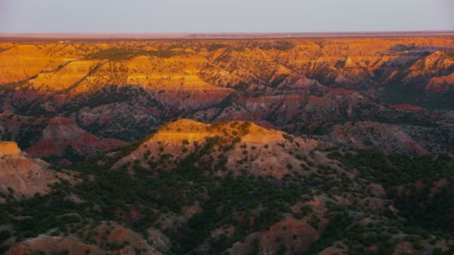 stockvideo's en b-roll-footage met palo duro canyon bij zonsondergang in amarillo (texas) - texas