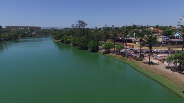pampulha gölü, şehir belo horizonte, brezilya - minas gerais eyaleti stok videoları ve detay görüntü çekimi