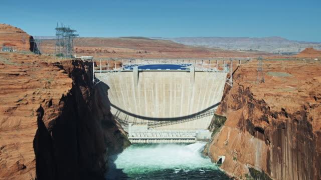Pan Across Glen Canyon Dam video