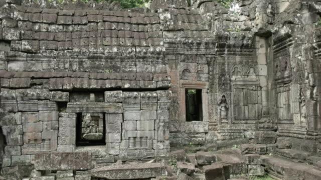 pan of female devata at banteay kdei near angkor wat