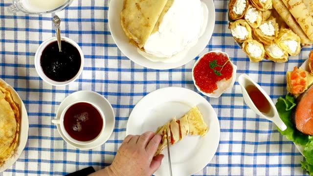 pancakes - crepes bildbanksvideor och videomaterial från bakom kulisserna