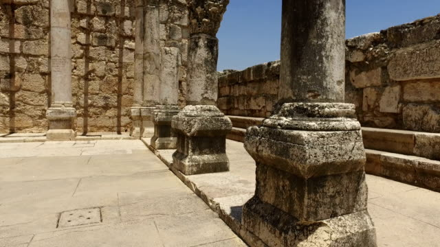 panorera runt pelarna i ancient temple - forntida bildbanksvideor och videomaterial från bakom kulisserna