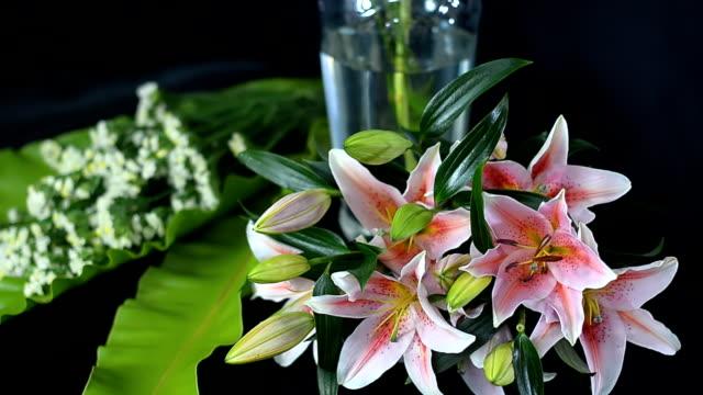 panning : many arranged wedding flowers video