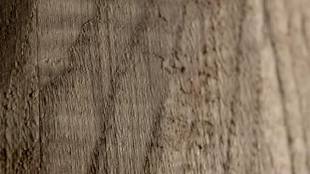 Panning through a wooden barrel