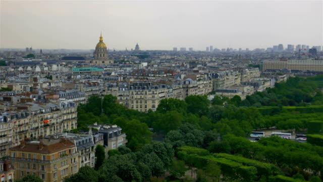 vidéos et rushes de panorama du champ de mars - mode paris